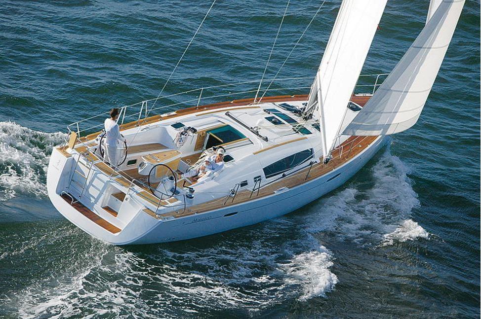 BeneteauOceanis_sail_boat